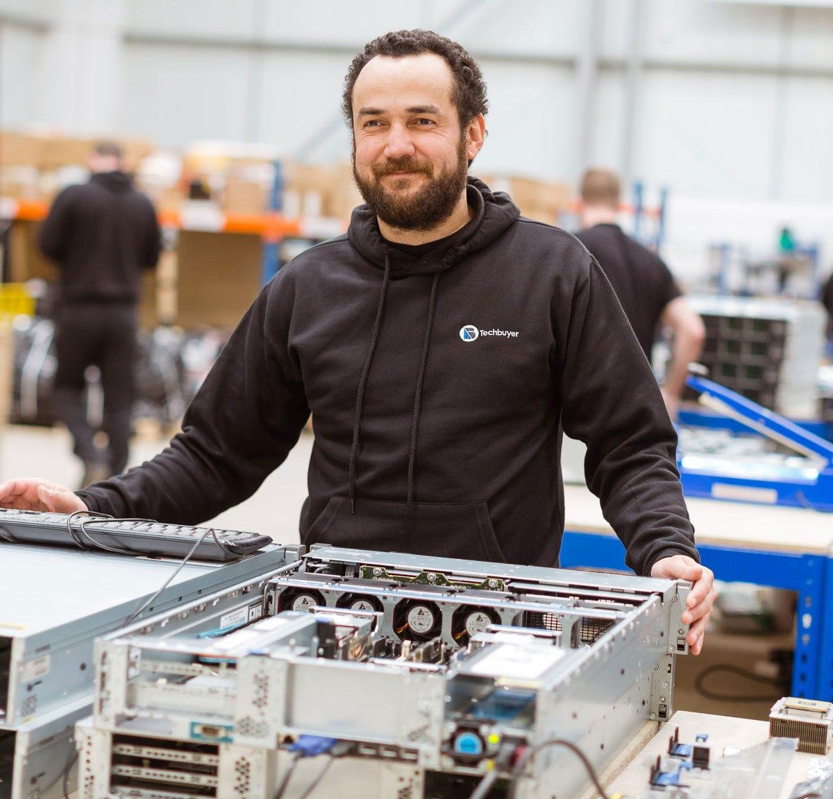 Wir konfigurieren Server von bekannten Marken wie HP, Dell, Intel, IBM und Cisco